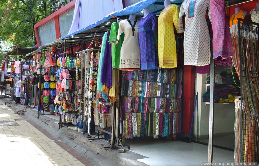 Street Shopping in Pune